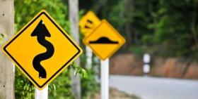 收益率曲线倒挂引发担忧,这些迹象更需警惕