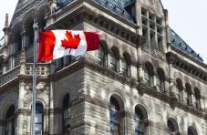 加拿大央行料将维持鸽派,利用外汇相关性优化策略