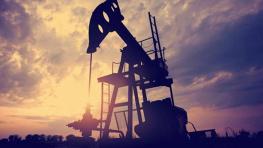 原油市场迎来大跌 美油布油跌超2%